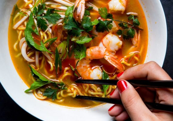 Wide noodles with aromatic broth